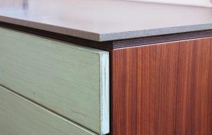 Küchenplatte aus Beton auf Holzkorpus