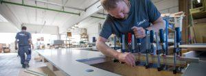 Werkstatt Herstellung einer Arbeitsplatte aus Beton mit Ausschnitt