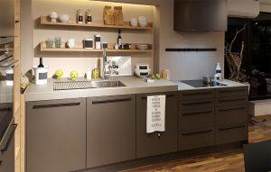 Küche mit Arbeitsplatten aus Beton