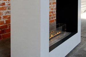 Kamin aus Beton offen mit Feuer Bio Ethanol Brenner