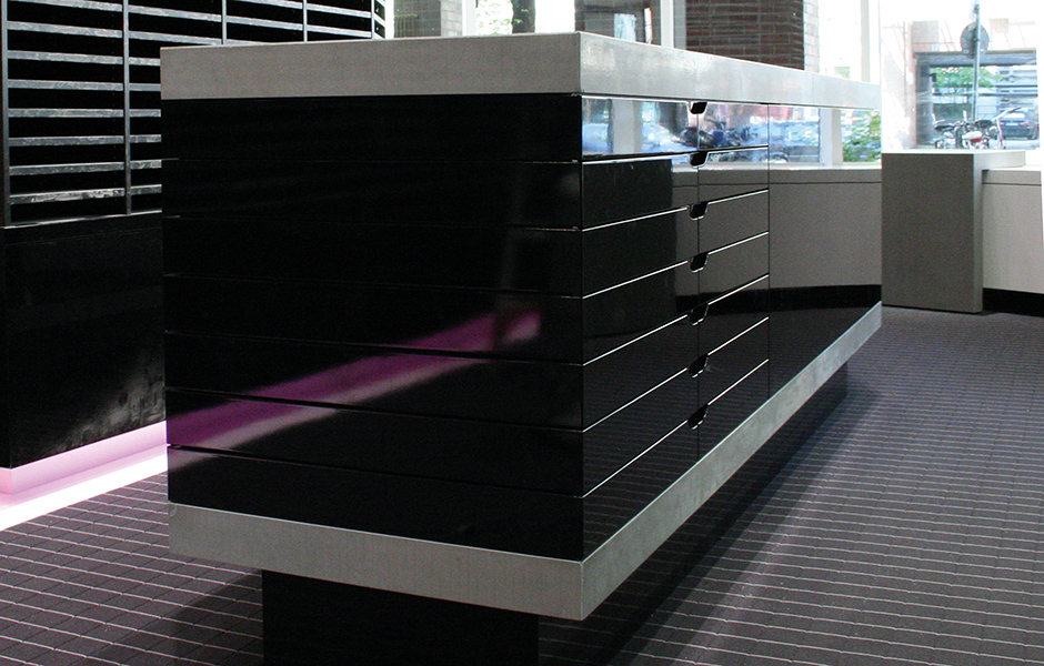 efecto beton presenter theke obect carpet 2 efecto die betonschreiner. Black Bedroom Furniture Sets. Home Design Ideas