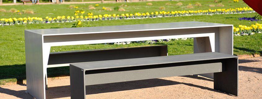 Garten Tisch und Gartenbank aus leichtem Beton