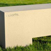 Bank aus Beton für Terrasse und Garten