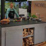 Küchenblock mit Beton Arbeitsplatte und Unterbau Spüle und Grill