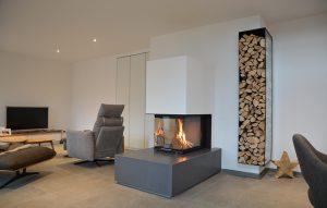 massiv wirkender Feuertisch aus Betonplatten
