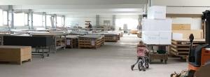 Lager mit dünnen Betonplatten